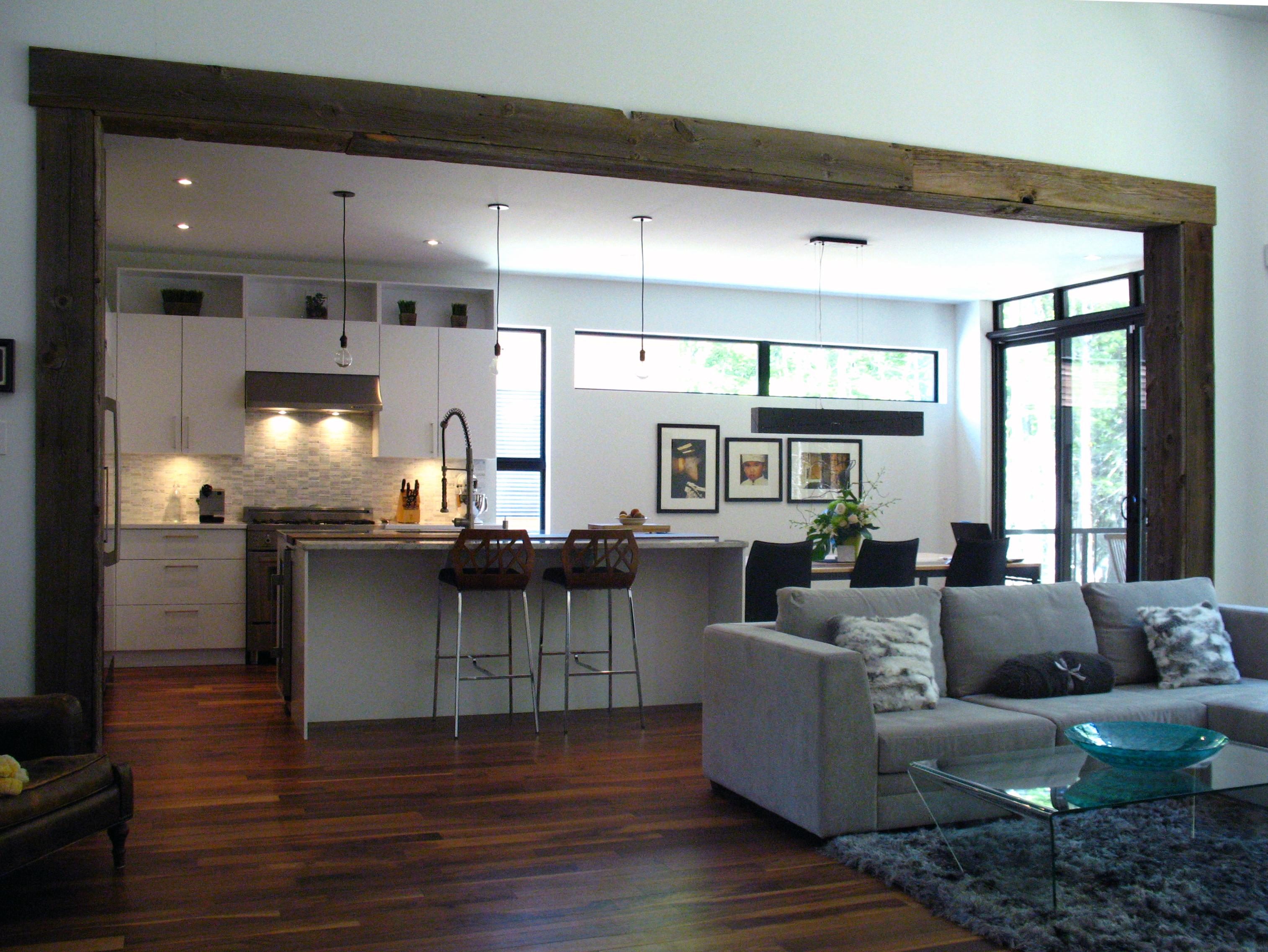 Poutre en bois de grange mcd3 design for Poutre i bois prix