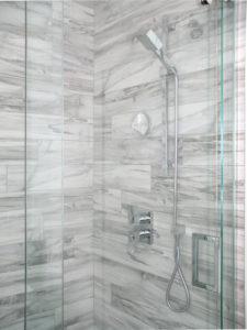 marbre douche verre